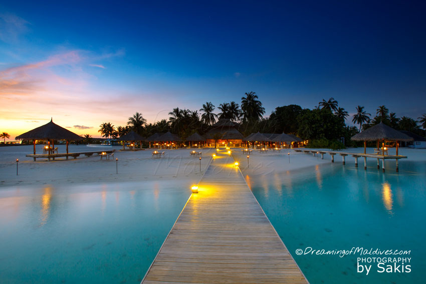 Velassaru Maldives - SAND Restaurant at Sunset.