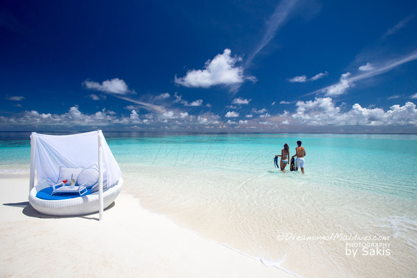 Velassaru Maldives - Velassaru Sandbank is Magic.