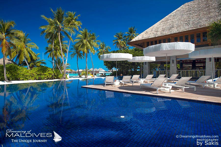 W Maldives WET Bar Infinity Pool