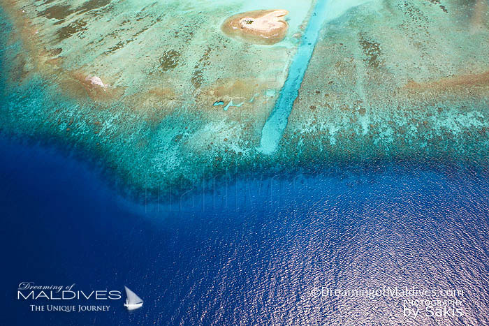 Maldives Tsunamis - Maldives atolls form a natural protection against tsunamis