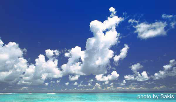 Maldives Weather - Winter Monsoon blue skies and gorgeous cloud formation