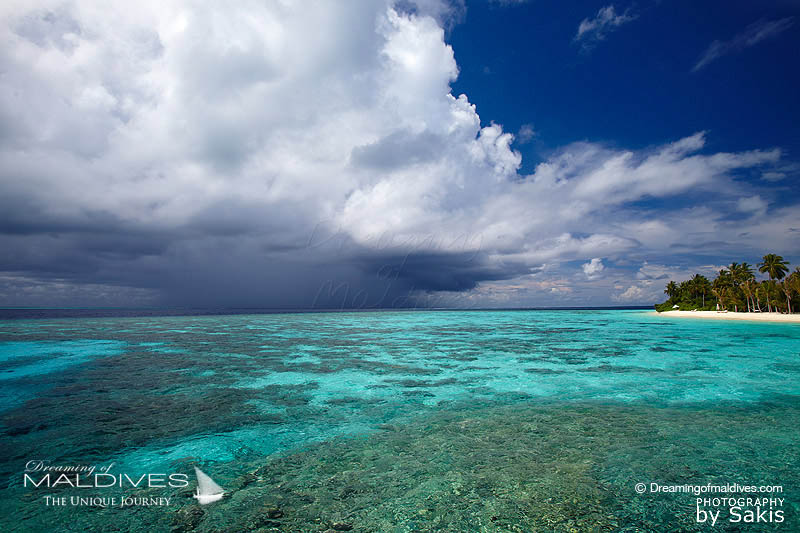 Maldives Extreme Weather - Stormy weather coming on an island