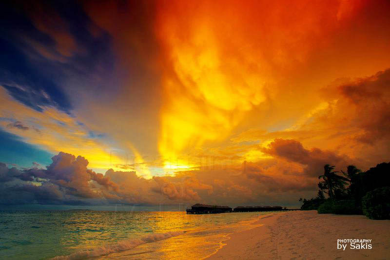 Maldives Weather - Humidity from the Rainy season brings Spectacular Sunsets